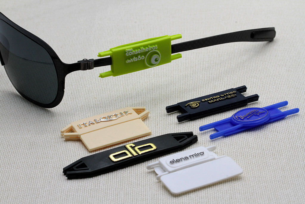 Customisable labels for glasses